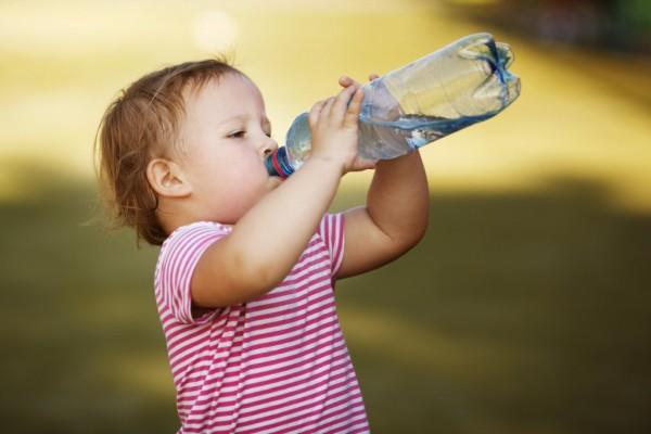 child-drinking-water-1024x682