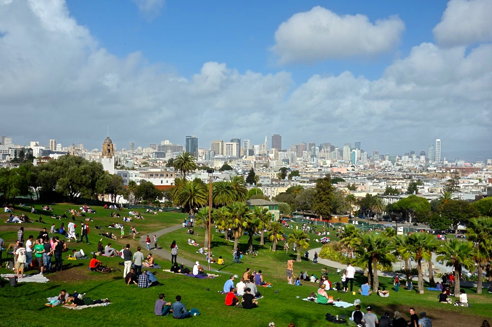 picnic-dolores-park-best-view-sfyt